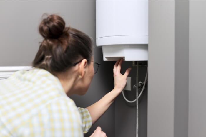 sử dụng máy nước nóng có điện trở bọc thép
