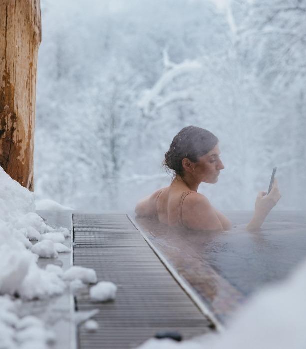 Tắm hồ bơi nước nóng